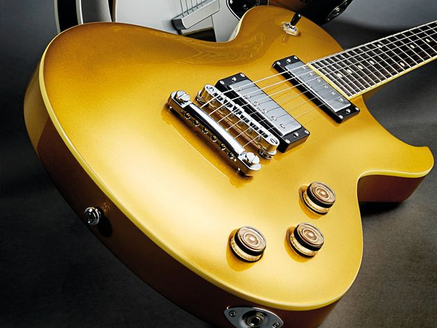 The Solo 6 has more than a little of the Les Paul about its appearance.