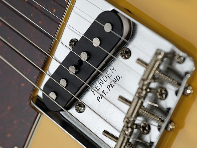 The  vintage-style Tele bridge single-coil.