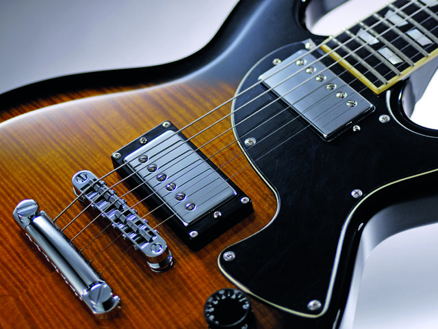 The S-1 Custom is similar in design to the Les Paul Junior.
