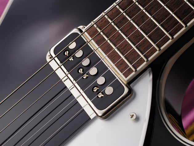 The DynaSonic pickups give that classic 1950s tone.