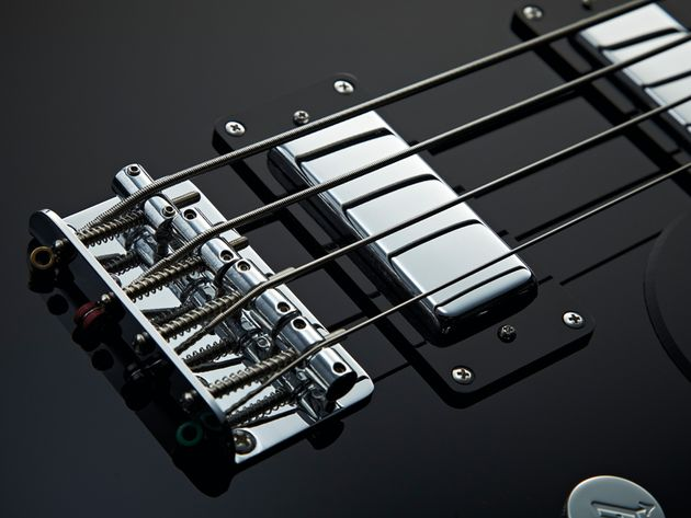 The mini humbuckers give some quality vintage tones.
