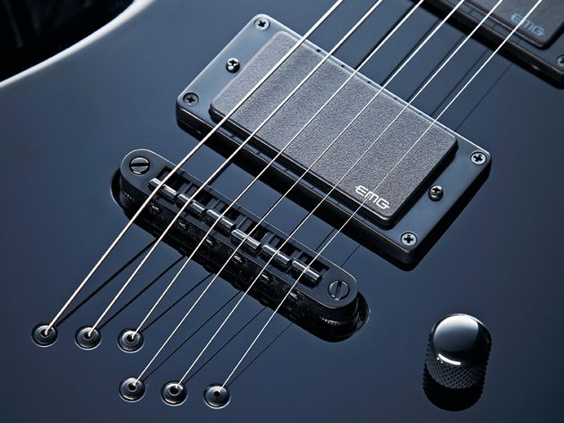 The bridge-loaded EMG 81 gives the brash tone this body shape demands.