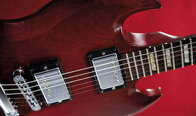 VIDEO: Gibson Les Paul '50s Tribute, SG '60s & '70s Tribute and 2013 Les Paul Studio demo