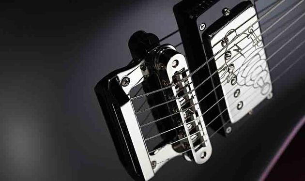 The two-in-one tailpiece and TonePros bridge gives the guitar a brighter sound