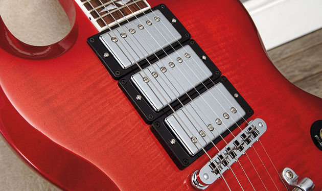 The guitar uses three Gibson '57 Classic humbuckers, a PAF-style pickups