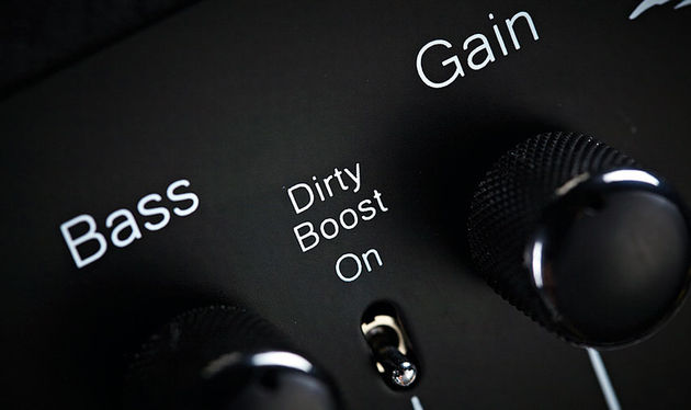 The Dirty Boost function is controllable by a separate footswitch