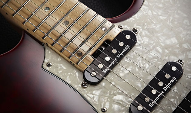 Single-coil tones come courtesy of two Seymour Duncan Classic Stacks