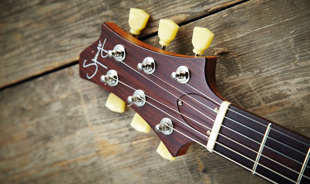 The modernist headstock has virtually straight string-pull from the Kluson tuners to the nut grooves