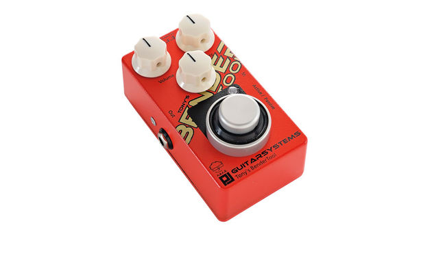 The Active/Passive side switch really helps sculpt your respective guitar tone