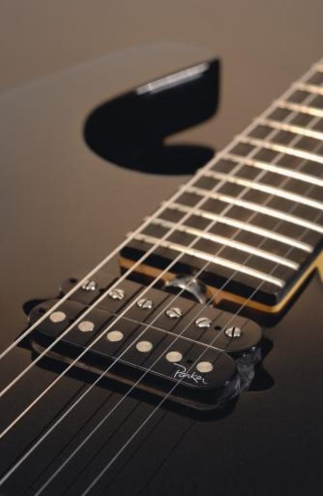 The Stinger humbuckers provide plenty of bite.