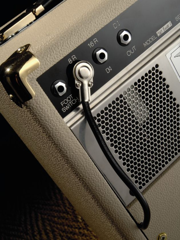 You can connect external speakers and utilise a DI recording output on the rear panel.