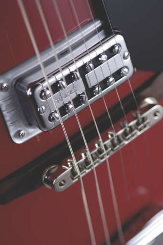 The full bridge pickup tone has plenty of edge.