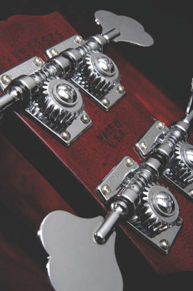 Open gear 'Shamrock' tuners ensure the vintage vibe is maintained