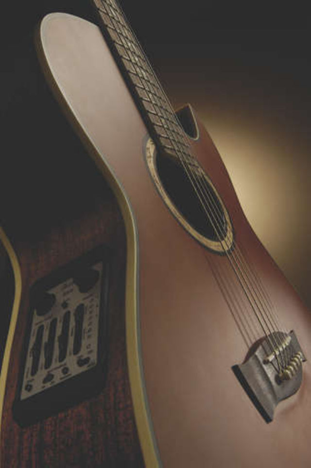 The EP9 has a solid Englemann spruce top