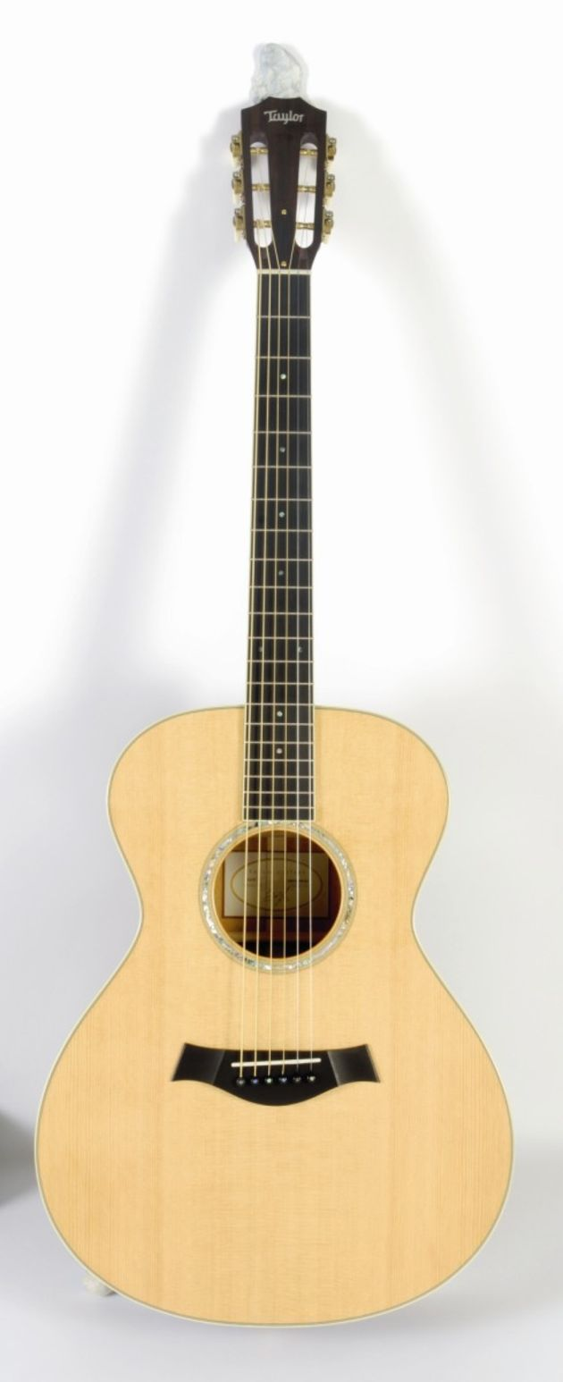 The GC5 features a slot-headstock, fitting for it's fingerstyle intentions