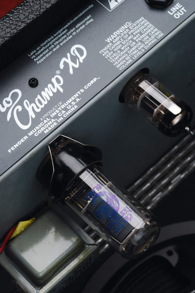 The Vibro Champ has 12AX7A and 6V6 valves.