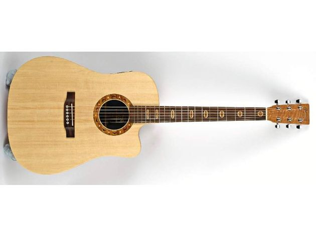 Unlike other X series guitars, the DCX1E comes with a solid spruce top