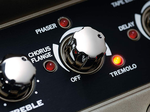 The middle row of controls deals with the amp models and effects