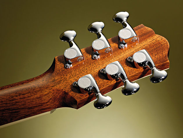 The mini Gotoh tuners contine the 'the same but smaller' theme