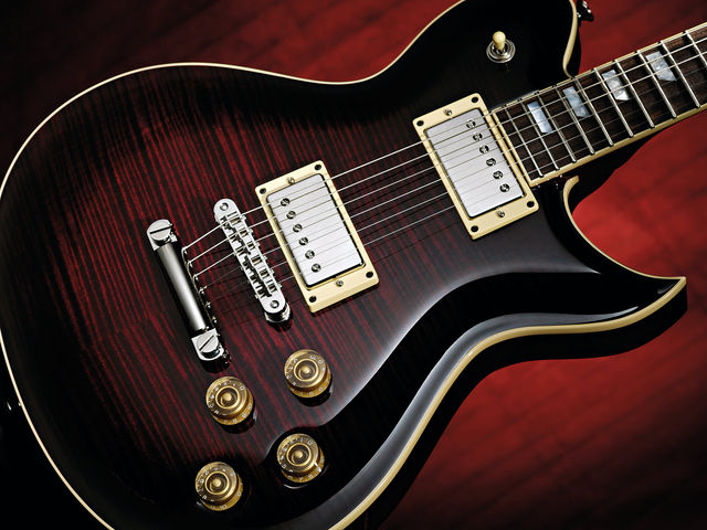 The rich, dark burst is particularly attractive thanks to the underlying mahogany