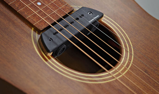 The Seymour Duncan Mag Mic pickup is an optional extra. Anderwood fits it properly, including reaming out the endpin and adding some cork spacers