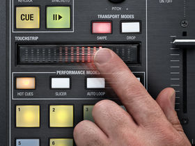 Musikmesse 2011: Novation unveils Twitch DJ controller