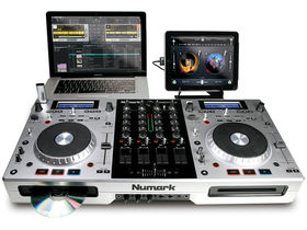 Musikmesse 2011: Numark debuts Mixdeck Quad with iPad support