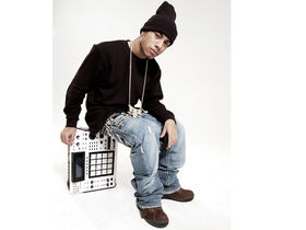 araabMUZIK gives the Akai MPC a bashing