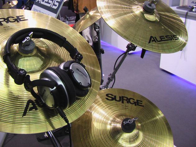 The Alesis Surge range at Frankfurt Musikmesse 2008