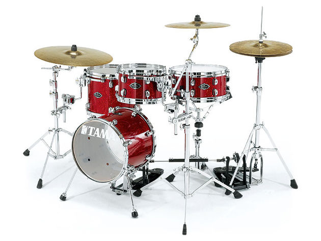This kit has a Garnet Red Glitter finish