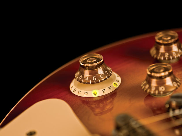 N-Tune's new chromatic tuner comes with Gibson- or Fender-style fittings