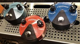 VIDEO: Dunlop Fuzz Face Mini pedal demo