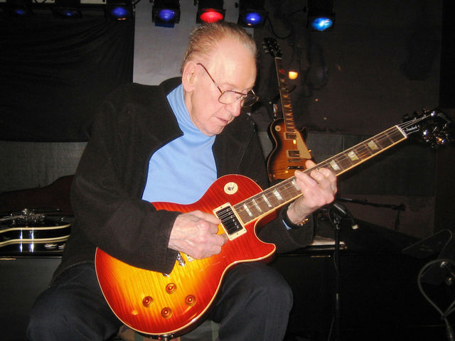 "The legendary Les Paul noodles on a guitar he called a ""great new model"""