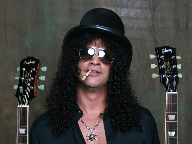Slash with his new Epiphone and Gibson Goldtop Les Pauls