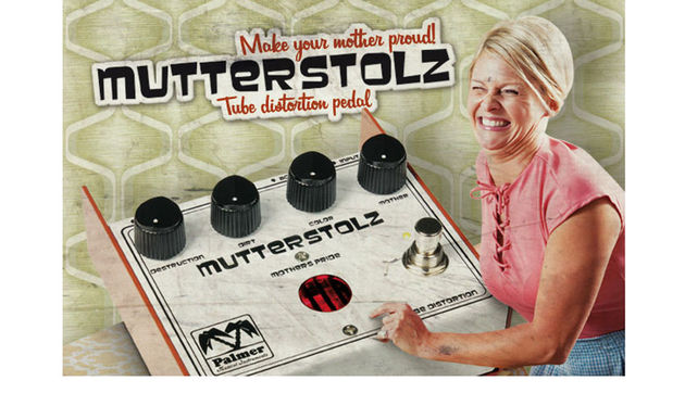 According to the Googles, Mutterstolz translates as 'proud mother'