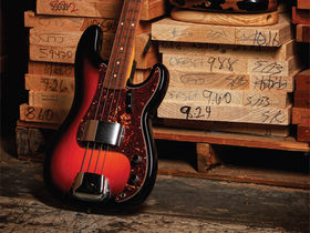 NAMM 2011: Fender Custom Shop guitars and basses in pictures