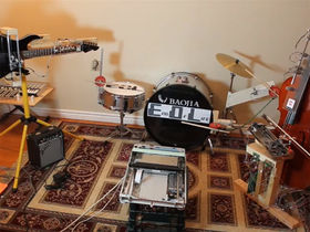 VIDEO: robot band covers Marilyn Manson's Beautiful People