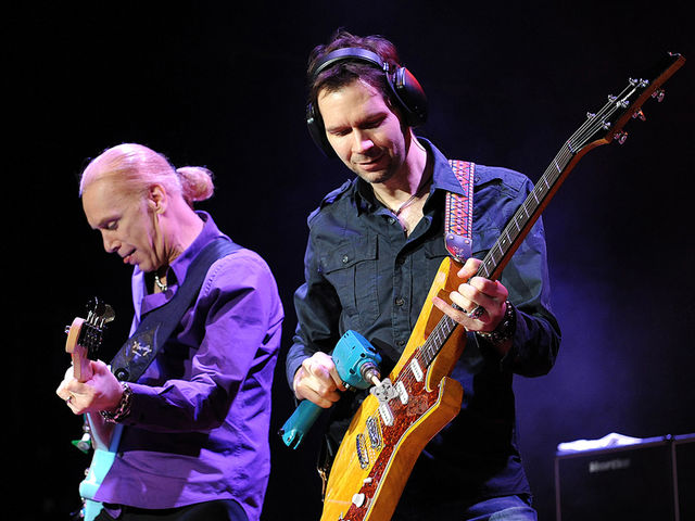 Billy Sheehan and Paul Gilbert at M3 Rock Festival, Maryland, 2011