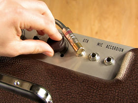 VIDEO: Fender Pawn Shop Special Excelsior demo