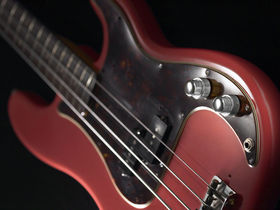 Musikmesse 2010: P Style bass receives the East treatment with P-Retro
