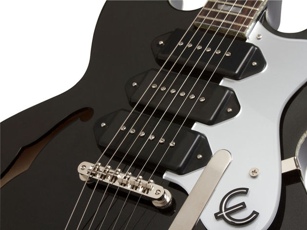 Epiphone Black Royale Riviera Custom P93 (pickups))