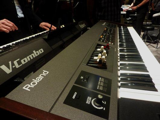El teclado V-Combo más reciente, un modelo todopoderoso para escenarios