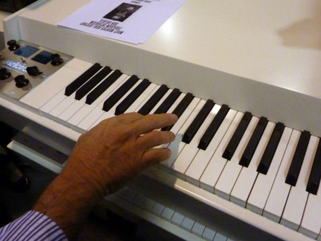 Digital Mellotron keyboard