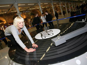 DJ Hero makers install the world's largest turntable in St Pancras Station