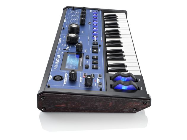 Novation MiniNova side.