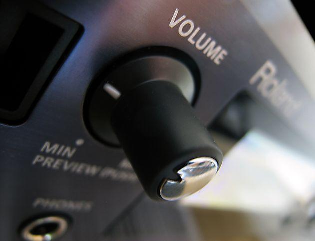 Volume knob? Check.