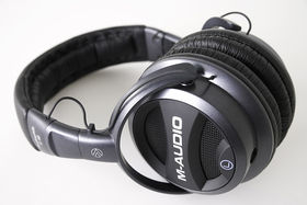 M-Audio Q40: the headphones you can mix with?