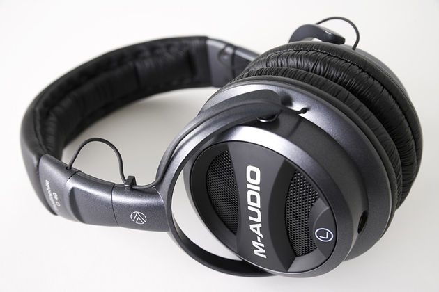 M-Audio claims that its new Q40 headphones can emulate the experience of using studio monitors
