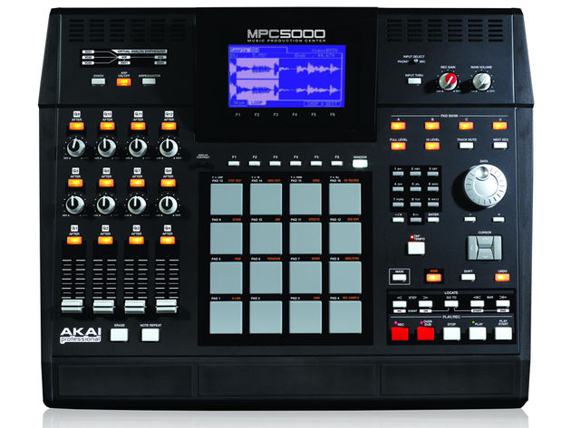 MPC5000: With 64 sample tracks and 12 Q-link controllers