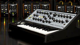 NAMM 2013 VIDEO: Moog Sub Phatty demo